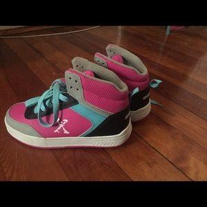 New Heelies , Wheelies Girls Size 6